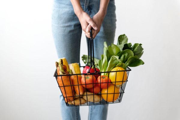 Vegan buddy: samen boodschappen doen of een plantaardige maaltijd bereiden