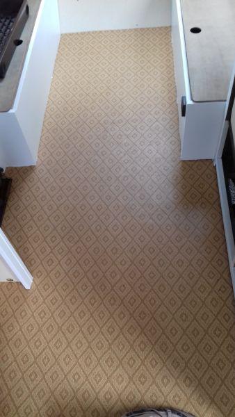 Voor-foto: ook de vloer is bruin