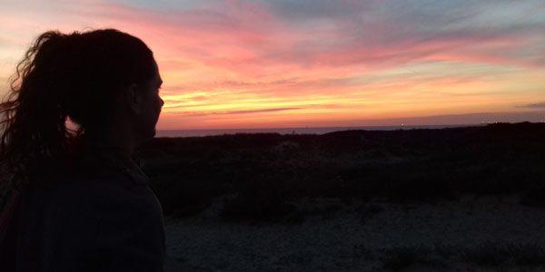 Foto: meditatie bij zonsondergang