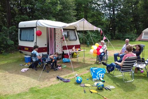 Nostalgische verjaardag op de camping